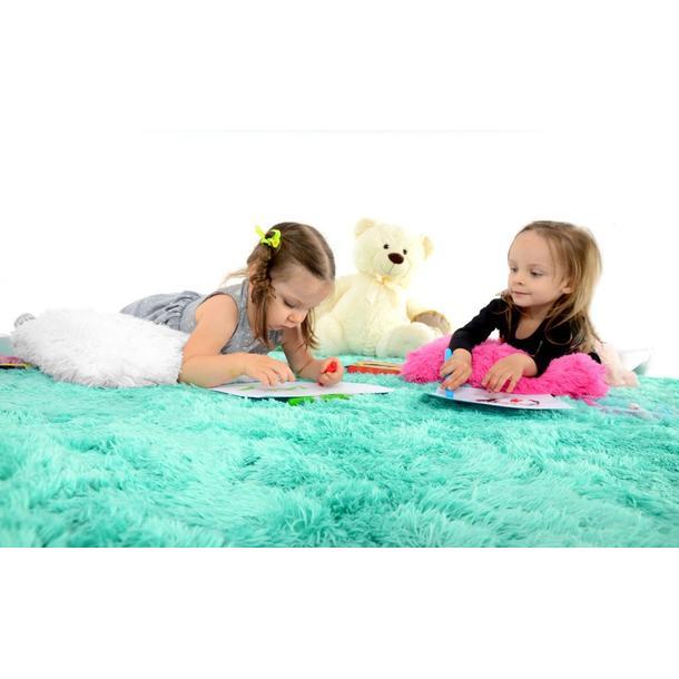 Plyšový detský koberec mätový