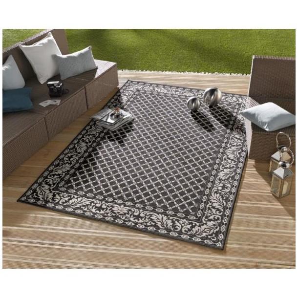 Kusový koberec Botany Royal - čierny