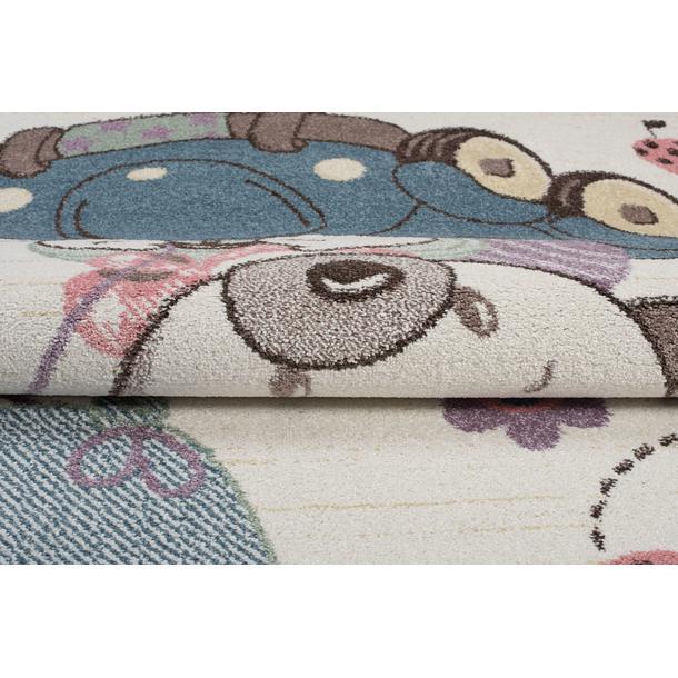 Detský koberec Happy - MACKO V AUTE