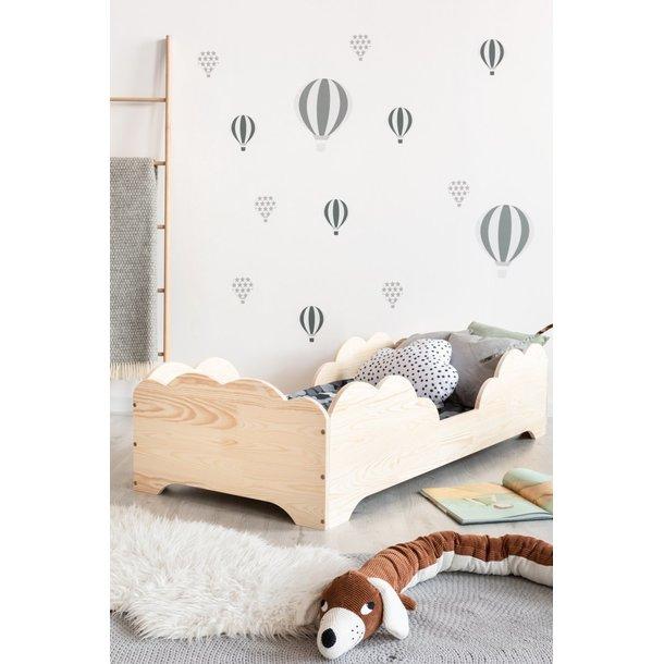 Detská posteľ z masívu BOX model 10 - 120x60 cm